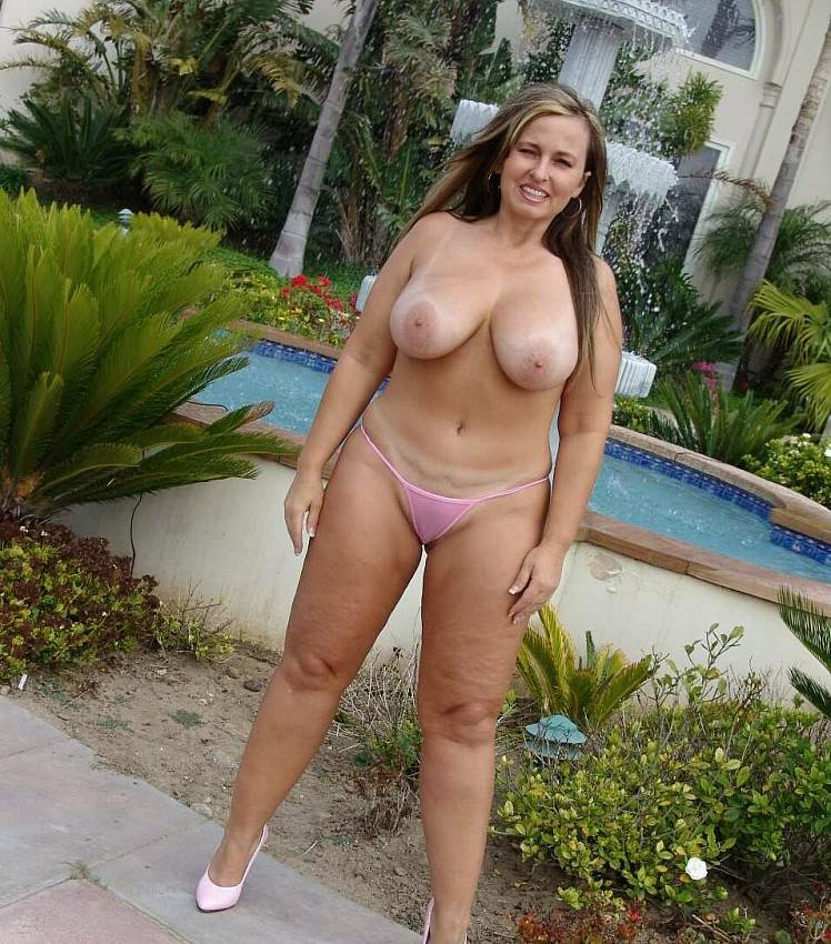 posing-naked-sexy-fat-slut-naked