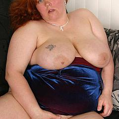 Fat-BBW fondles.