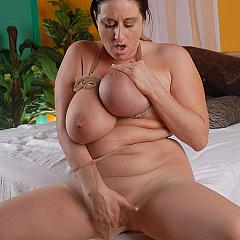 Fat-BBW superlatively.